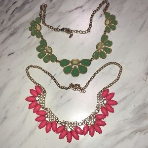 Jewelry - Gold chain statement necklaces